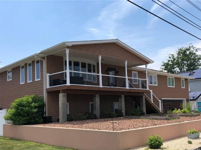 4 BR,  2.00 BTH Ranch style home in Patchogue
