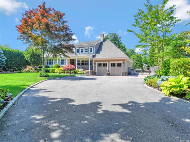 4 BR,  2.00 BTH Ranch style home in Bayport