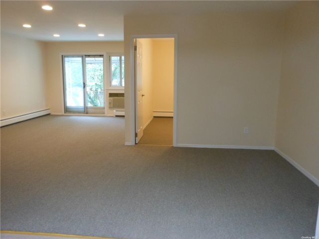 3 BR,  2.00 BTH Contemporary style home in Kew Gardens