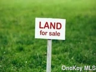 Lot <b>Size:</b> .68 Land style home in Center Moriches