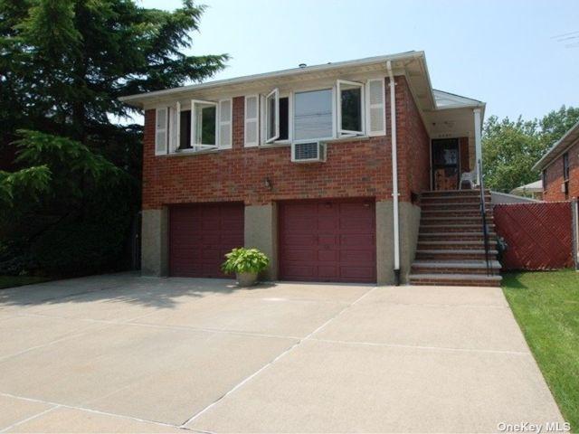 [Bayside Real Estate, listing number 3190586]