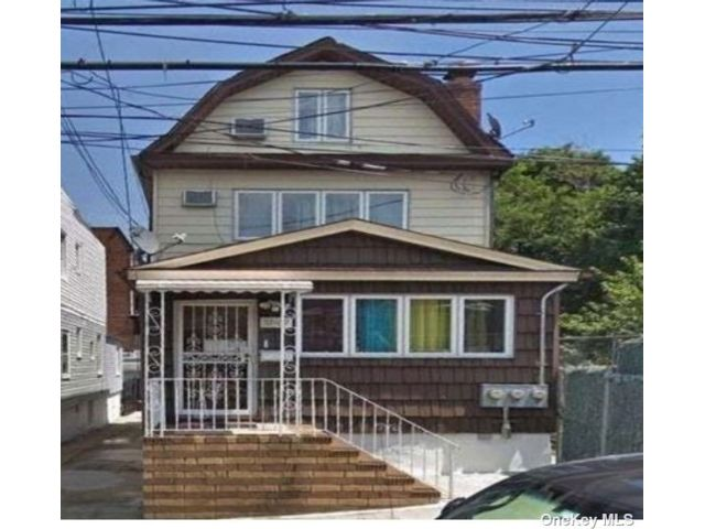 1 BR,  1.00 BTH Apt in house style home in Woodside