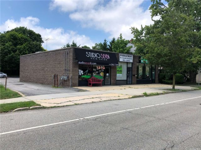 [Wantagh Real Estate, listing number 3190699]