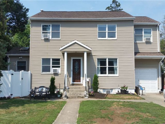 [East Meadow Real Estate, listing number 3190764]