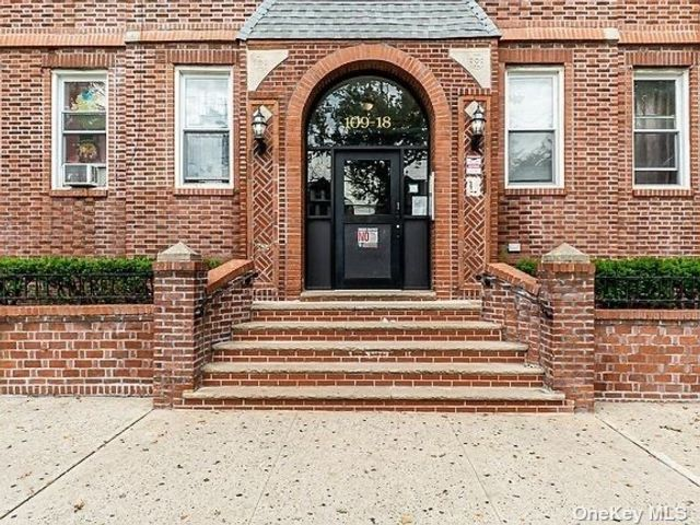 3 BR,  1.00 BTH Mid rise style home in South Ozone Park