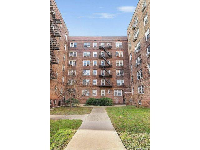 [Jackson Heights Real Estate, listing number 3191114]