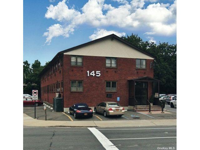 [Commack Real Estate, listing number 3191130]