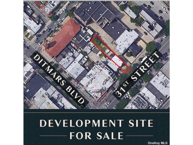 Lot <b>Size:</b> 25  x 175 ft Land style home in Astoria