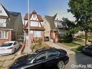4 BR,  2.00 BTH 2 story style home in Jamaica Hills
