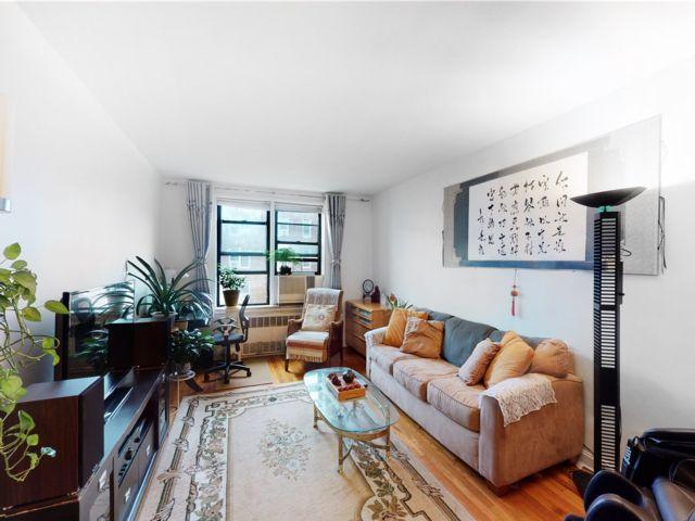 [Jackson Heights Real Estate, listing number 3191352]