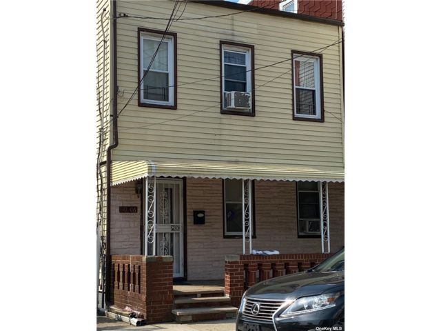4 BR,  3.00 BTH 2 story style home in Ozone Park