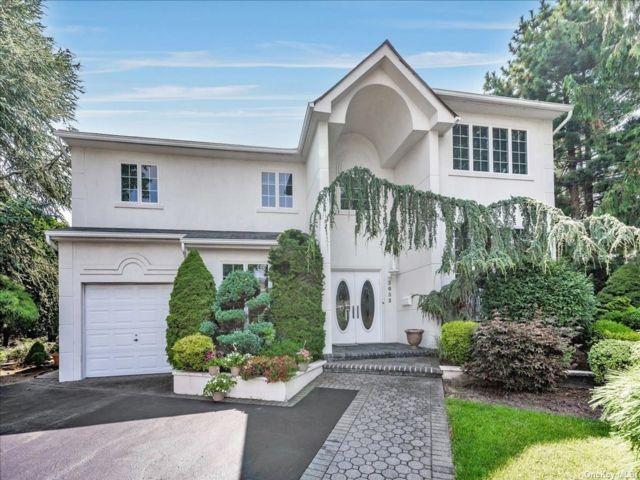 [Merrick Real Estate, listing number 3191701]