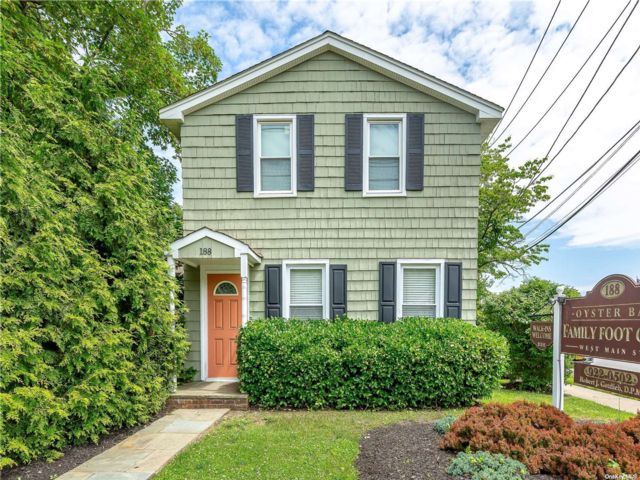Studio,  0.00 BTH Commercial style home in Oyster Bay