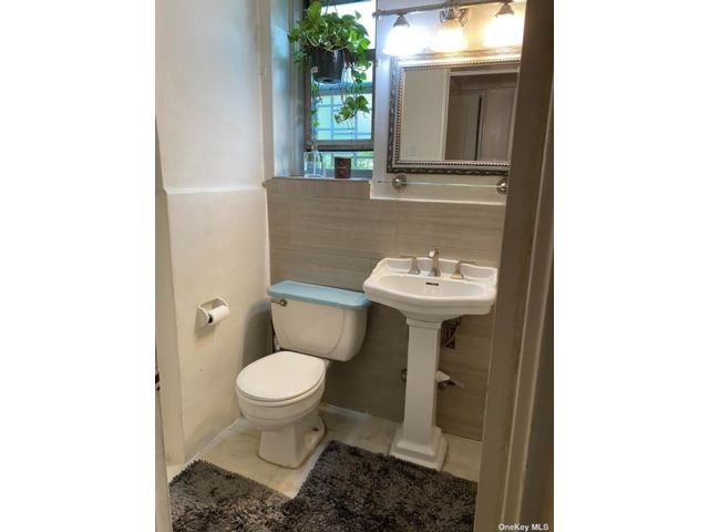 2 BR,  1.00 BTH Other style home in Riverdale