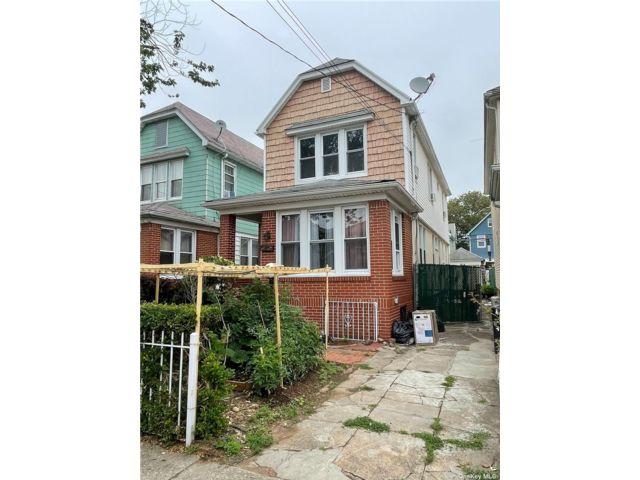 3 BR,  2.00 BTH Duplex style home in Flatlands