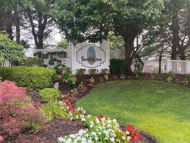 1 BR,  2.00 BTH Other style home in Port Jefferson Station