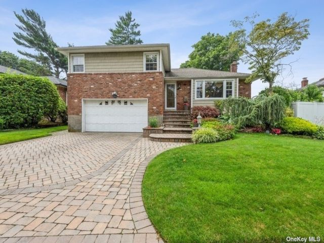 [East Meadow Real Estate, listing number 3192064]