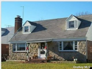 4 BR,  2.00 BTH Cape style home in East Rockaway