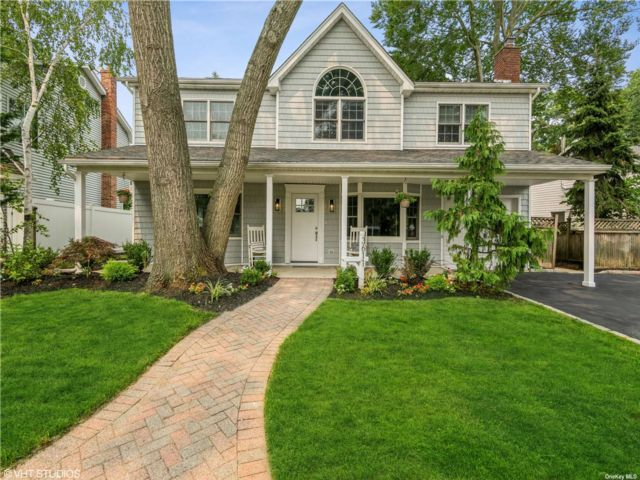 [Wantagh Real Estate, listing number 3192159]