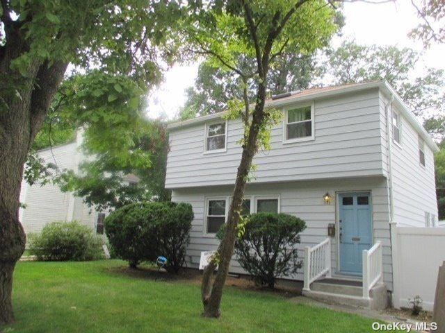 [Merrick Real Estate, listing number 3192216]