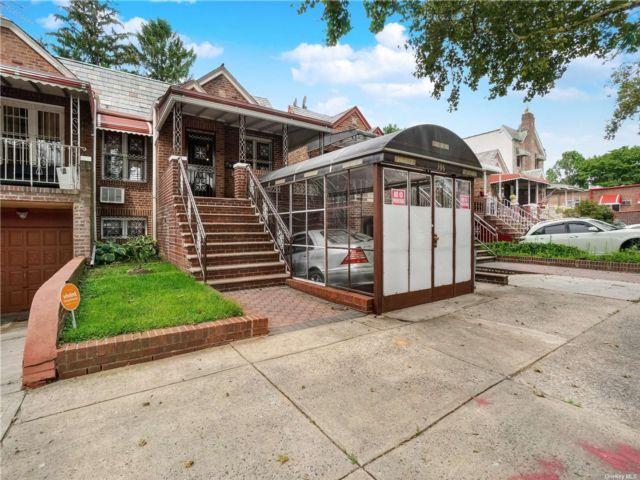 4 BR,  2.00 BTH Semi detached style home in East Flatbush