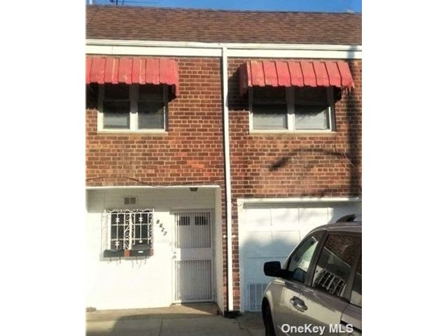 4 BR,  2.00 BTH Townhouse style home in Richmond Hill