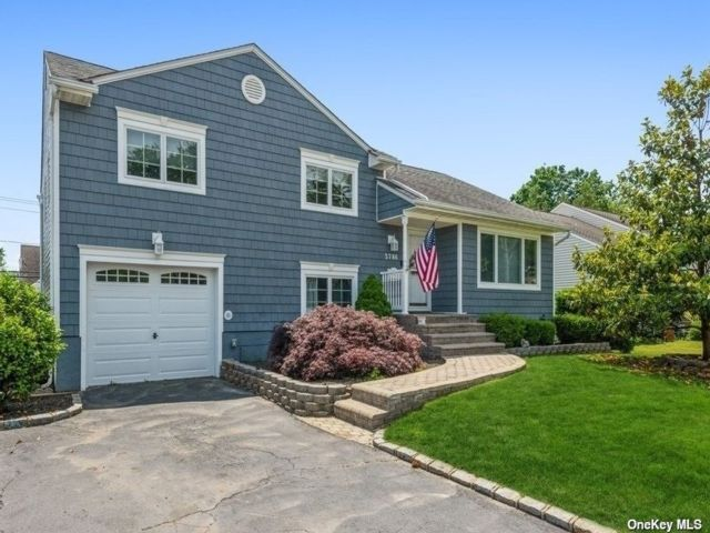 [Wantagh Real Estate, listing number 3192313]