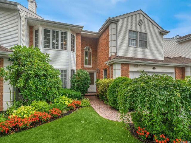 [Commack Real Estate, listing number 3192315]
