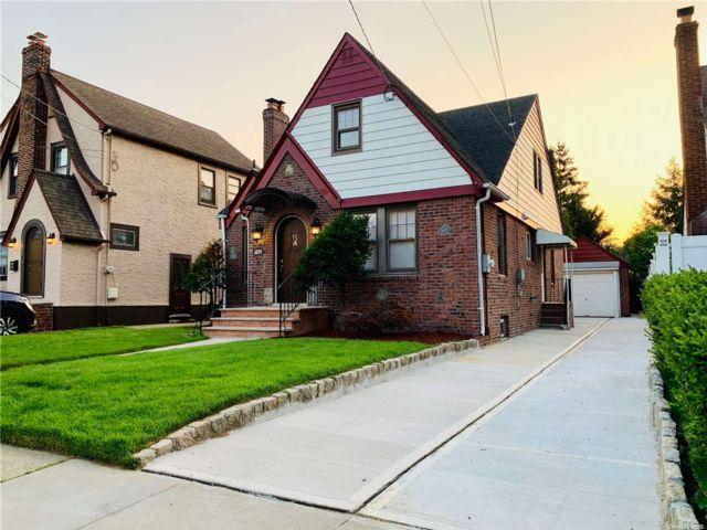 5 BR,  3.00 BTH Tudor style home in North Valley Stream