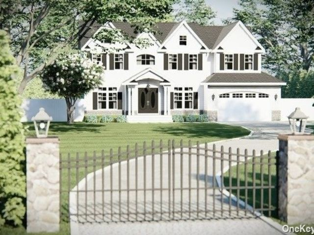6 BR,  5.00 BTH Colonial style home in Syosset