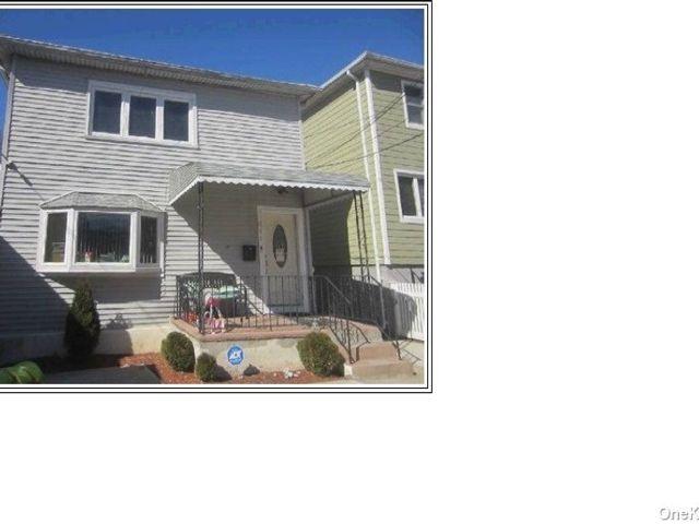 3 BR,  1.00 BTH Apt in house style home in Far Rockaway