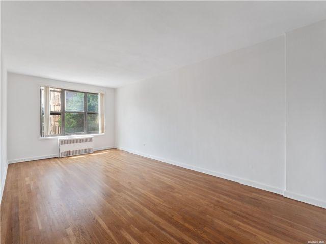 [Jackson Heights Real Estate, listing number 3192930]