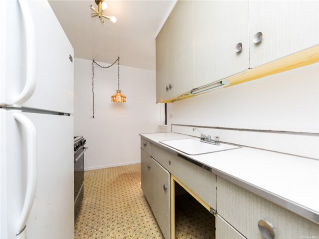 1 BR,  1.00 BTH High rise style home in Queens Village