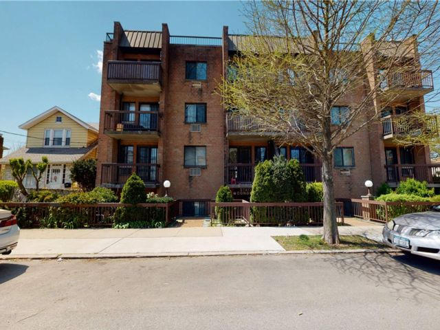 1 BR,  1.00 BTH Other style home in Flushing