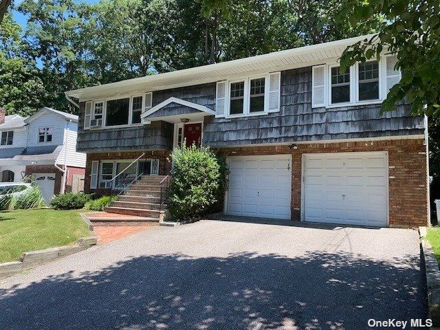 3 BR,  1.00 BTH Hi ranch style home in Huntington