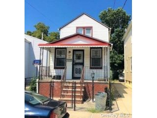 2 BR,  2.00 BTH Colonial style home in South Ozone Park