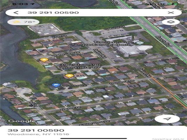 Lot <b>Size:</b> .74 + .29 Land style home in Cedarhurst