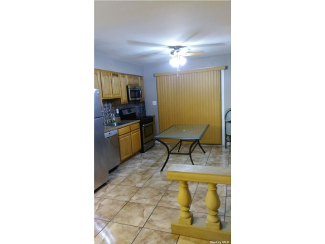 [Howard Beach Real Estate, listing number 3193529]