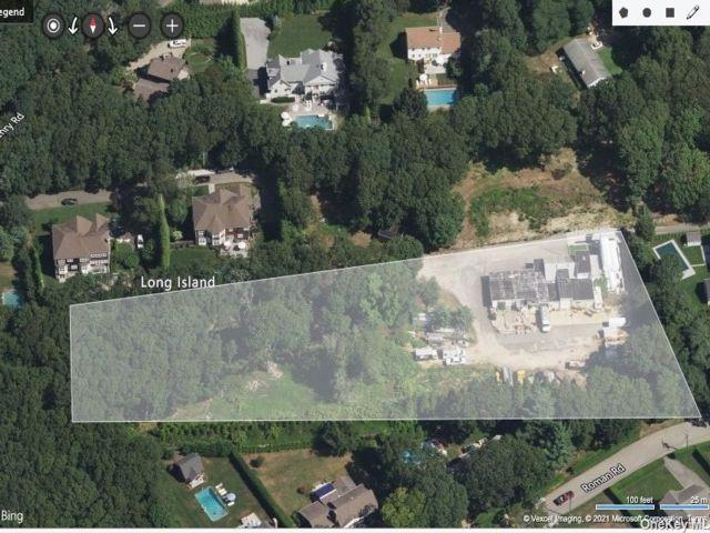 Lot <b>Size:</b> 3.7 Land style home in Southampton