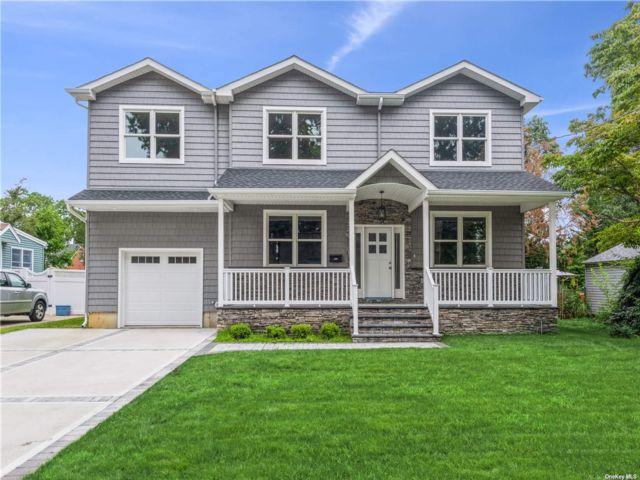 [Merrick Real Estate, listing number 3193590]