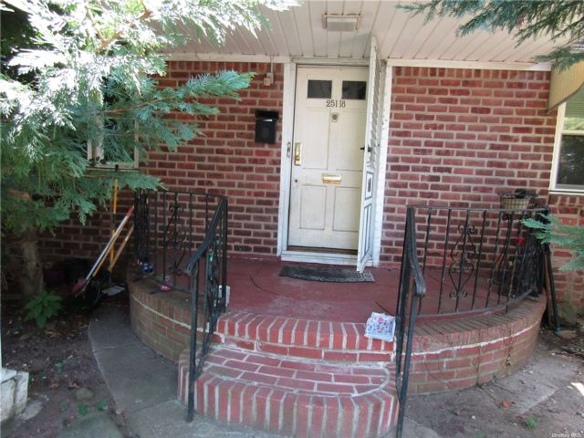 2 BR,  2.00 BTH Cape style home in Glen Oaks