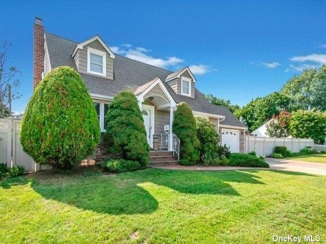[Farmingdale Real Estate, listing number 3194155]
