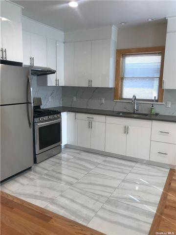 [Jackson Heights Real Estate, listing number 3194272]