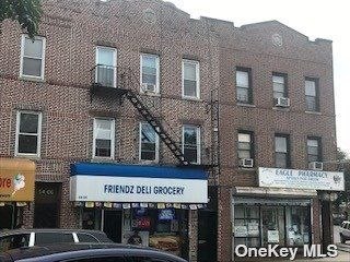 6 BR,  4.00 BTH Store+dwell style home in Maspeth