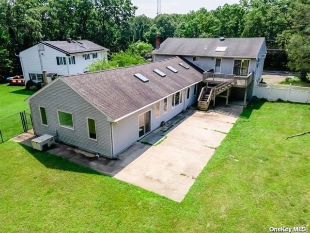 4 BR,  2.00 BTH Hi ranch style home in Islip