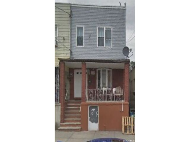 3 BR,  1.00 BTH 2 story style home in Richmond Hill