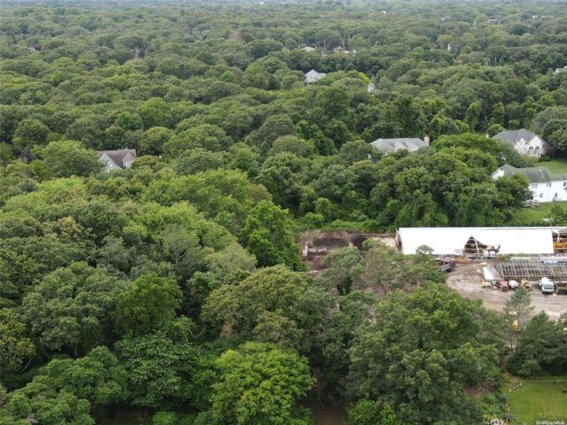 Lot <b>Size:</b> 80x100 Land style home in Patchogue