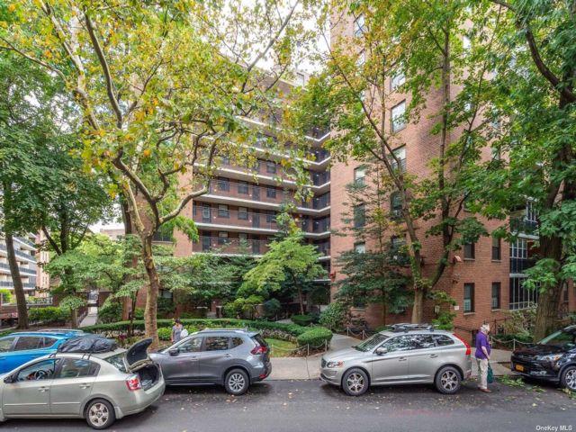 [Jackson Heights Real Estate, listing number 3195267]
