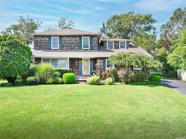 4 BR,  3.00 BTH Colonial style home in Sayville