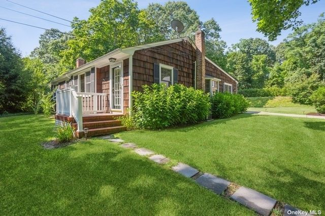 2 BR,  2.00 BTH Ranch style home in East Setauket